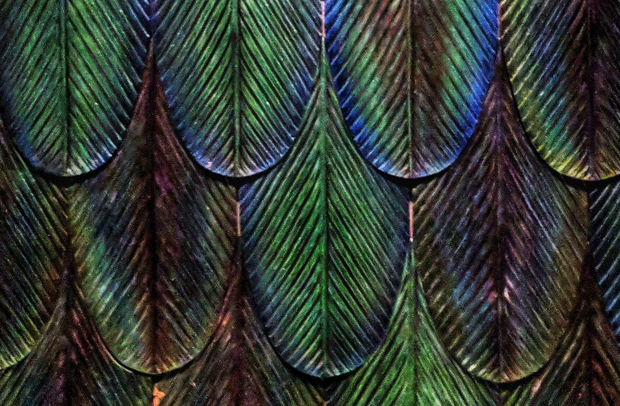 metallic leaf pattern